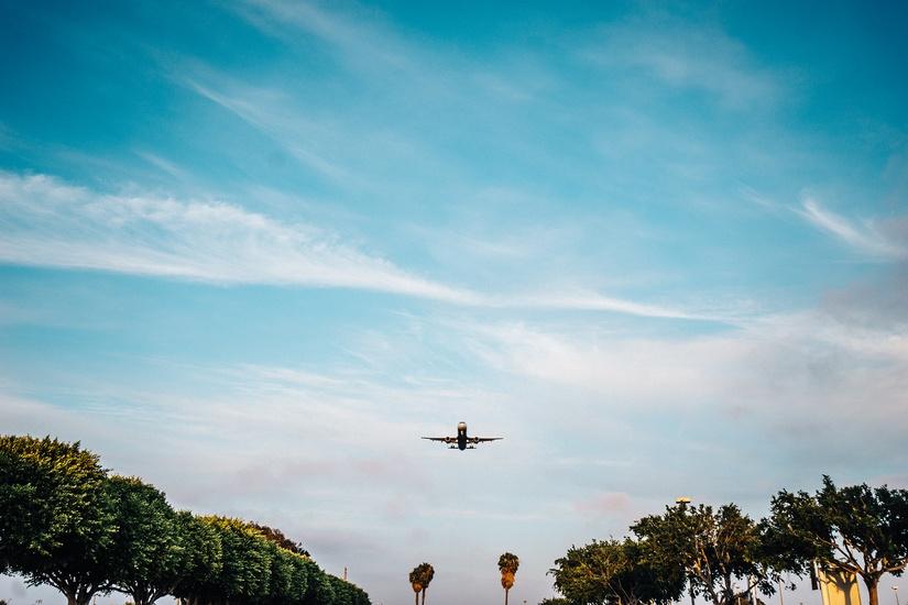 flying-airplane-plane-landing-large